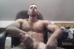 Vídeos de gays se masturbando na CAM até gozar gostoso.